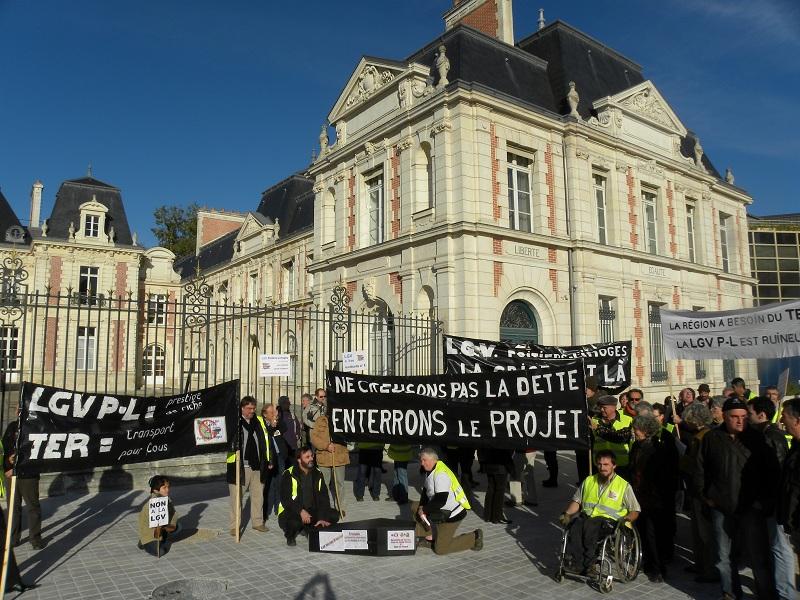 Enterrons le projet L.G.V Poitiers-Limoges le 22-10-2011
